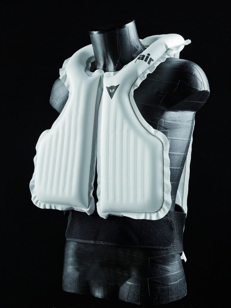 Sistema airbag para motero