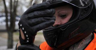 Guantes de moto obligatorios en Francia